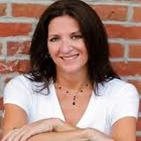 Nicole Sandler